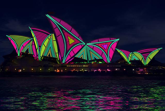 Vivid-Sydney-2013-Light-Show-10.jpg