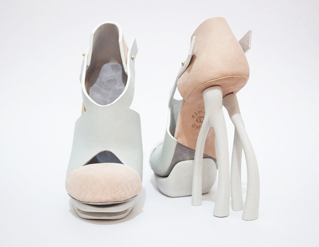 Chaemin-Hong-Bone-Inspired-3D-Printed-Shoes-High-Heels-Pumps-3.jpg