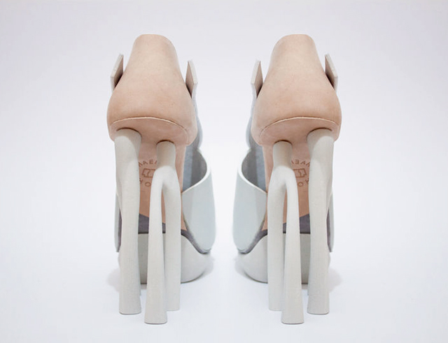 Chaemin-Hong-Bone-Inspired-3D-Printed-Shoes-High-Heels-Pumps-4.jpg