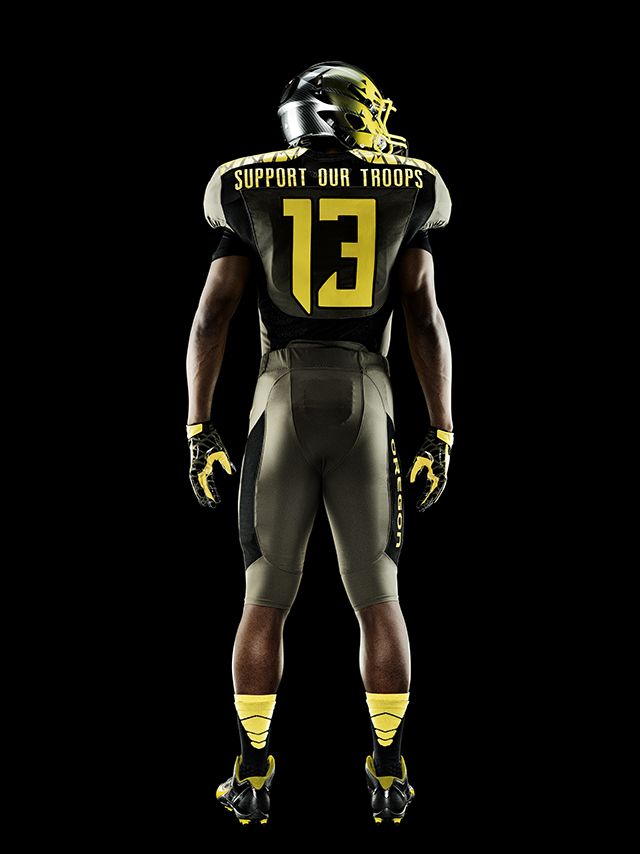 Oregon Ducks Spring Game Uniforms Honor The Troops Knstrct