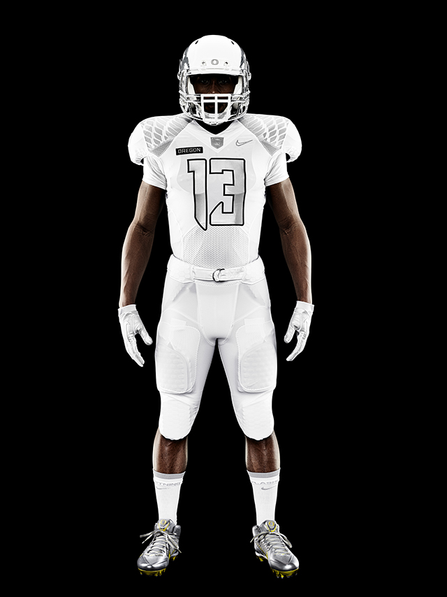 Nike-Football-Uniform-UofO-Home-Front-11.jpg