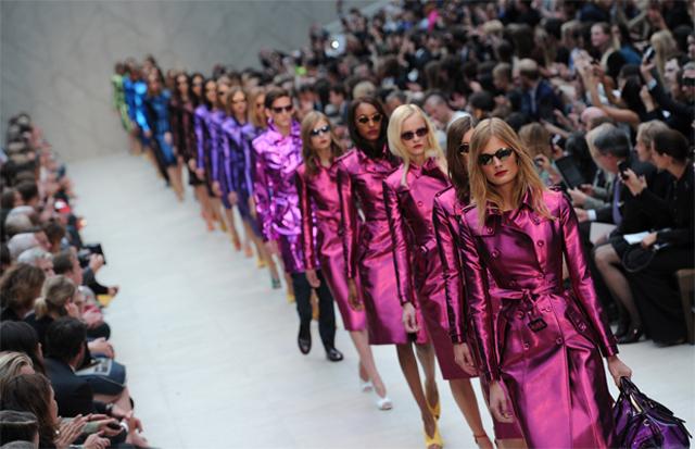 London-Fashion-Week-SS-2013-Burberry-Metalics-1.jpg