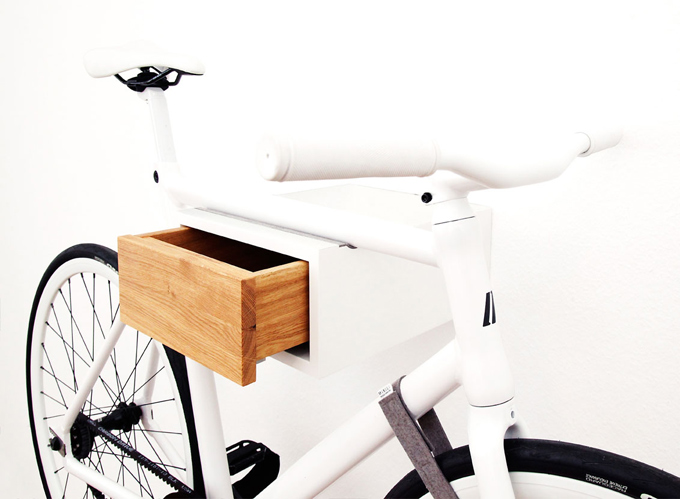 the t an a wall shelf turned bike hanger knstrct. Black Bedroom Furniture Sets. Home Design Ideas