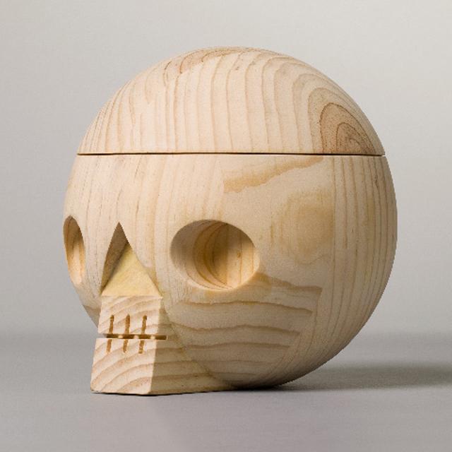 Acne-Jr-Kranium-Skull-Bowl-wood-4.jpg
