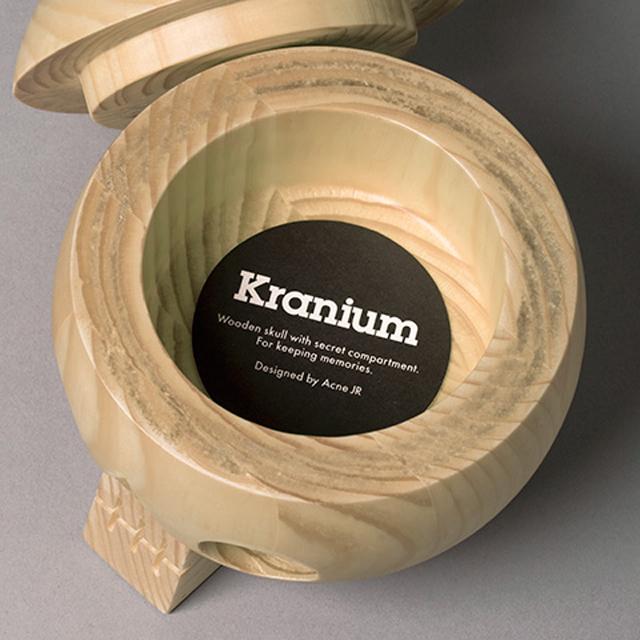 Acne-Jr-Kranium-Skull-Bowl-wood-3.jpg