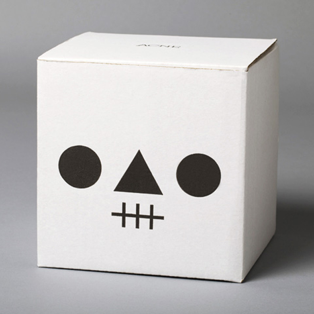 Acne-Jr-Kranium-Skull-Bowl-wood-2.jpg