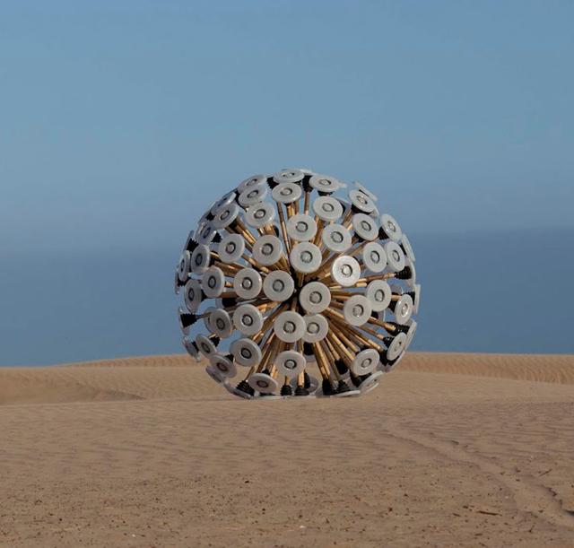 Mine-Kafon-Ball-Massoud-Hassani-Knstrct-1.jpg