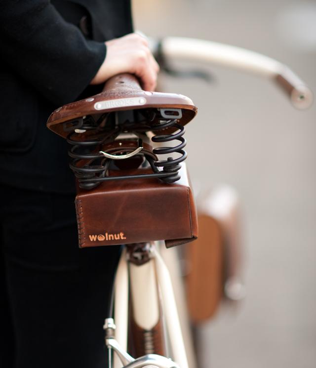 Walnut-Studio-Leather-Bicycle-bags-knstrct-4.jpg