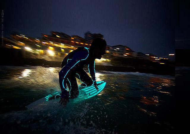 Top-Surf-Gear-Gadgets-Wetsuits-surfboards-Knstrct-12.jpg