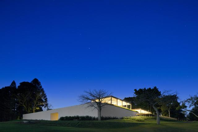 Fazenda-Boa-Vista-Golf-Clubhouse-Isay-Weinfeld-2.jpg