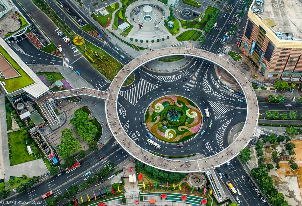 Shanghai-Lu-Jia-Zui-circular-Pedestrian-Bridge-1