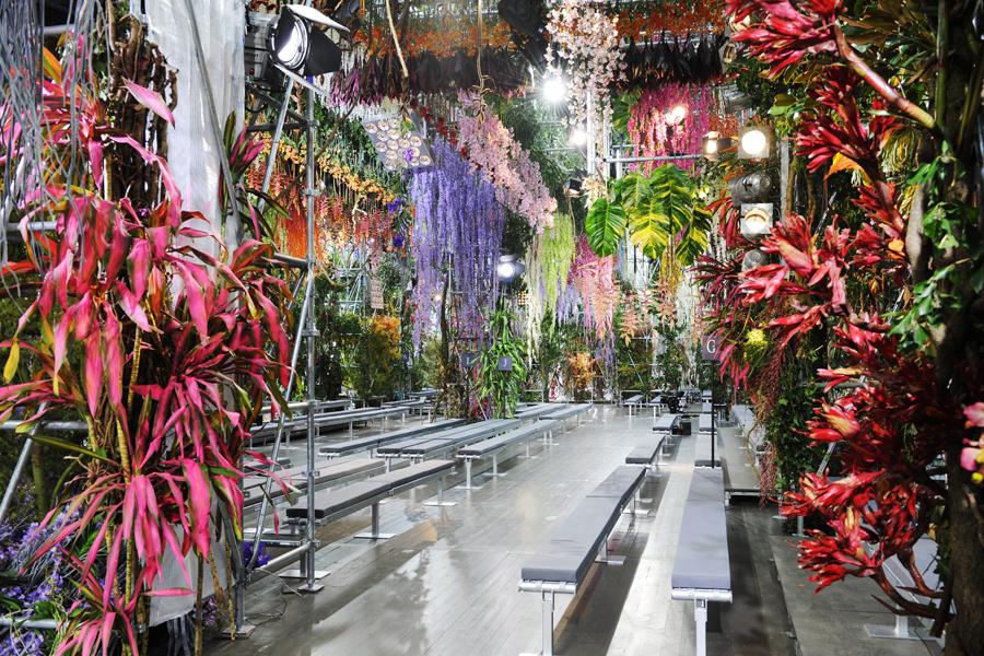 Dior-Catwalk-Paris-SS14-LG1.jpg