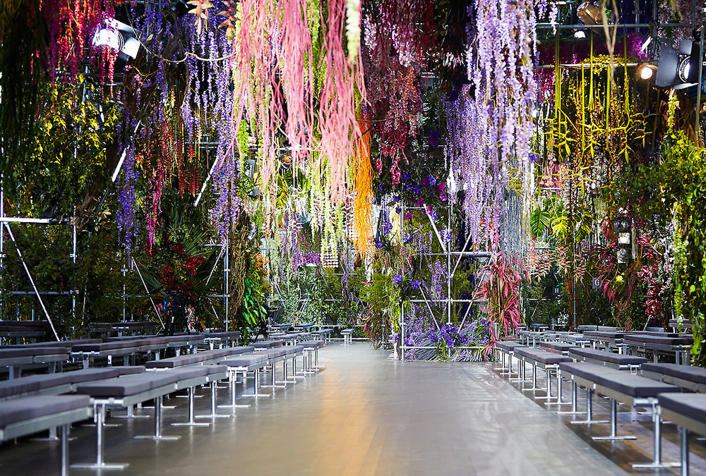 Dior-SS14-Fashion-Show-Set-Paris-LG3.jpg