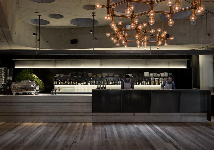 Hotel-Hotel-Canberra-Australia-Nishi-Building-1.jpg