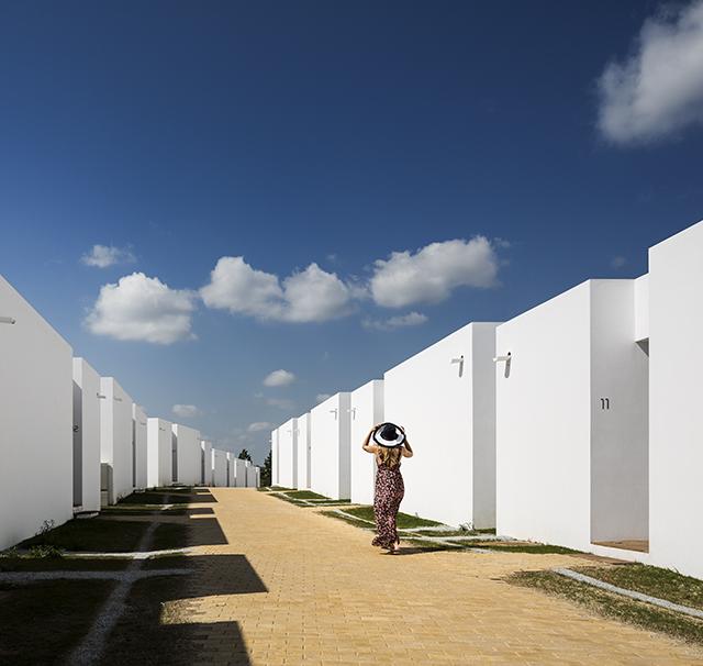 Ecorkhotel-Evora-Portugal-Jose-Carlos-Cruz-11.jpg