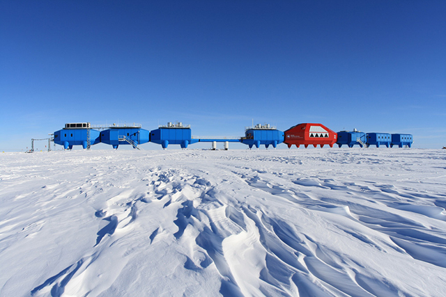 A Walking City In The Antarctic The Halley Vi Research