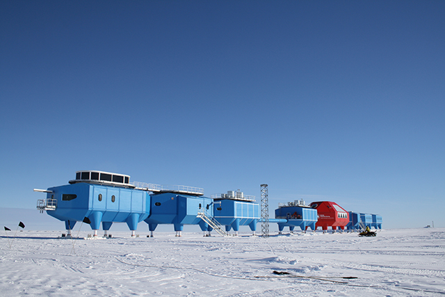 Halley-VI-Antarctic-Opens-Hugh-Broughton-British-Antarctic-Survey-5.jpg