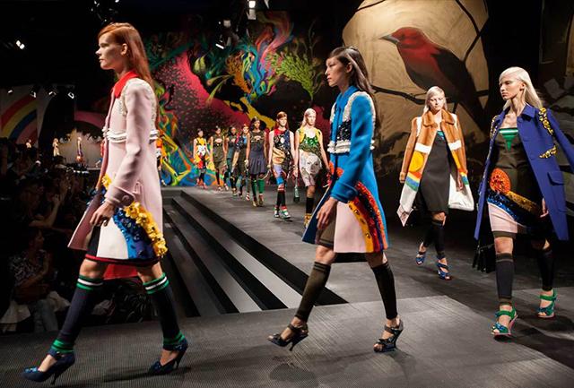Prada-Fashion-Show-Spring2014-Runway-Set-Design-2.jpg