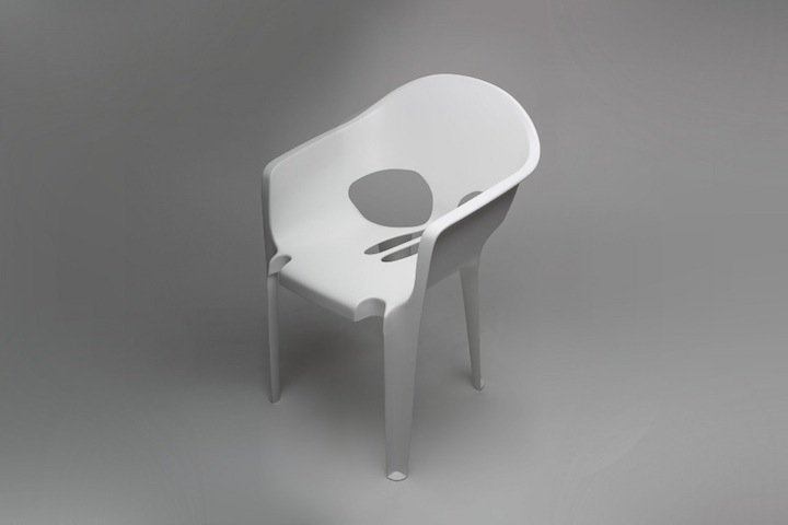 Skull-Pool-Chair-2.jpg