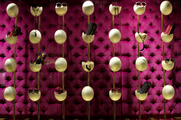 Louis-Vuitton-Window-Display-3.jpg