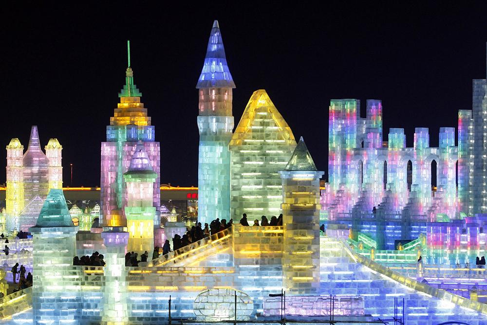 Harbin-International-Ice-Snow-Sculpture-Festival-2014-4.jpg