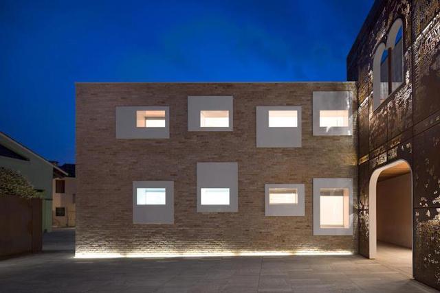 Palazzo-Vigonovo-milan-Giorgio-Milani-corten-poetry-wall-7.jpg