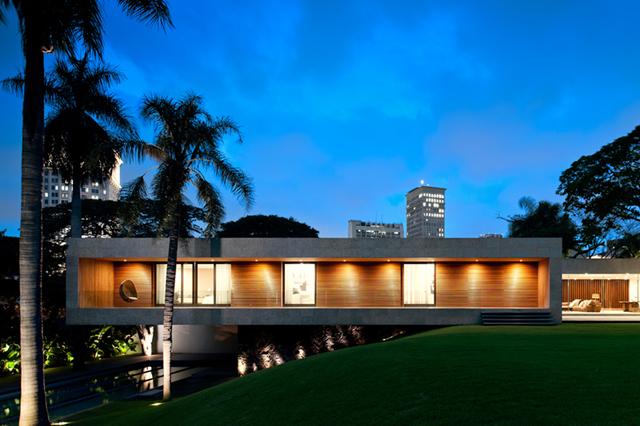 Isay-Weinfeld-Casa-Grecia-Sao-Paulo-architecture-1.jpg