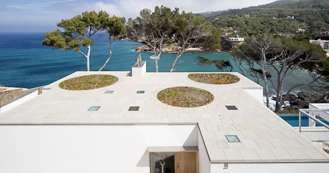 House-Costa-Brava-Jordi-Garces-Modern-Home-10.jpg
