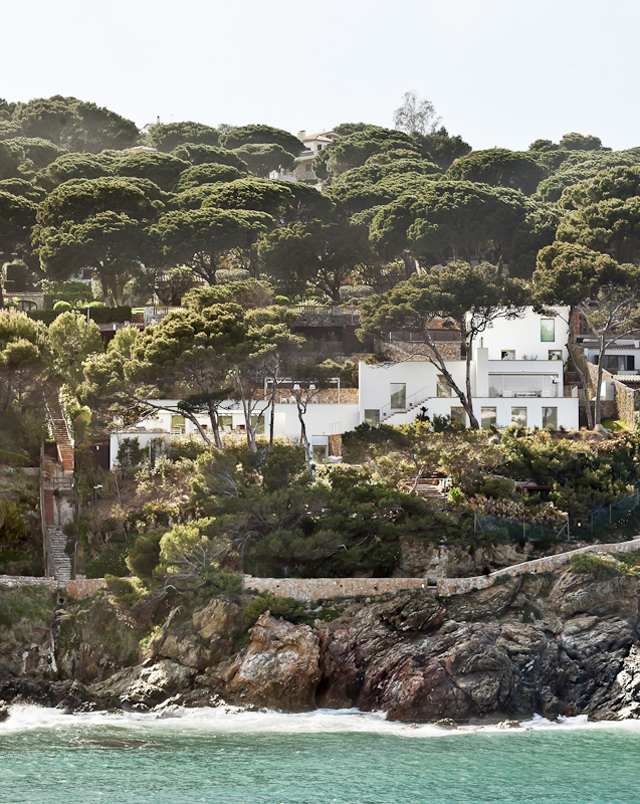 House-Costa-Brava-Jordi-Garces-Modern-Home-1.jpg