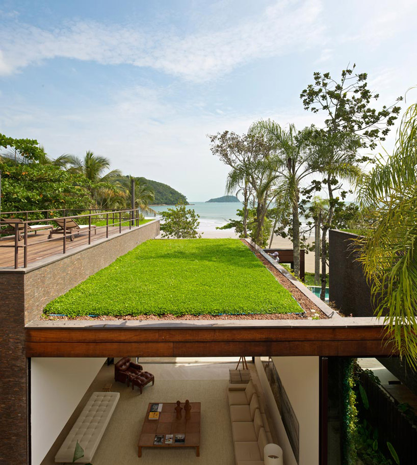 Arthur-Casas-Beachside-House-4.jpg