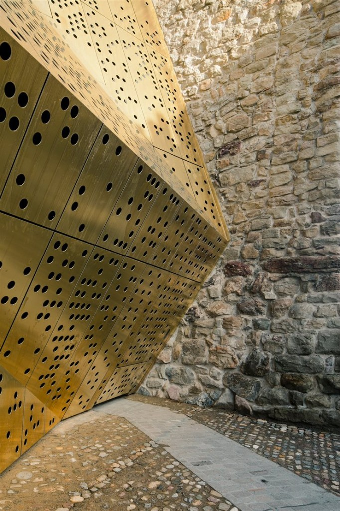 Rapperswil-jona-museum-switzerland-mlzd-architects-7-682x1024.jpg