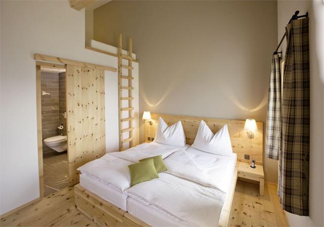 Romantik-boutique-Hotel-Muottas-Muragl-switzerland-9.jpg