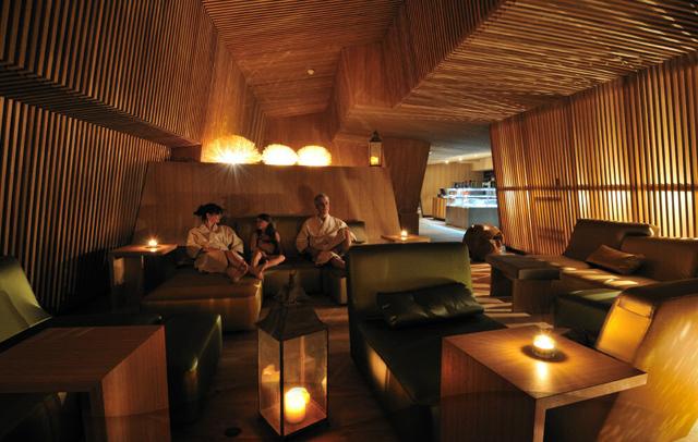 thermalbad-spa-zurich-knstrct-10.jpg