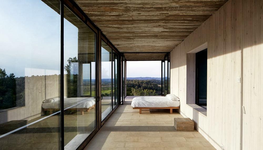 Pezo Von Ellrichshausen Architects . solo house . cretas (6).jpg