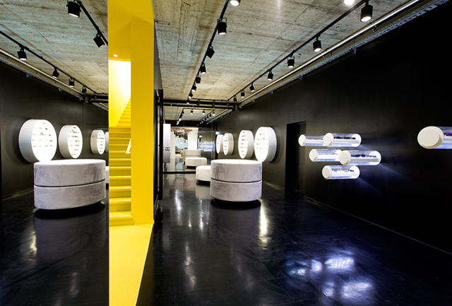 Freudenhaus-Shop-Aigner-Architecture-2.jpg
