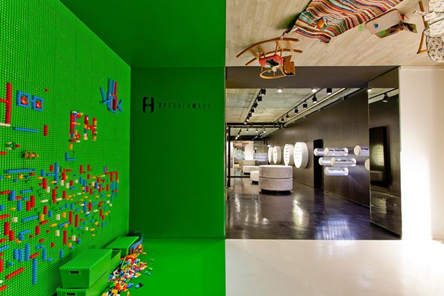 Freudenhaus-Shop-Aigner-Architecture-1.jpg