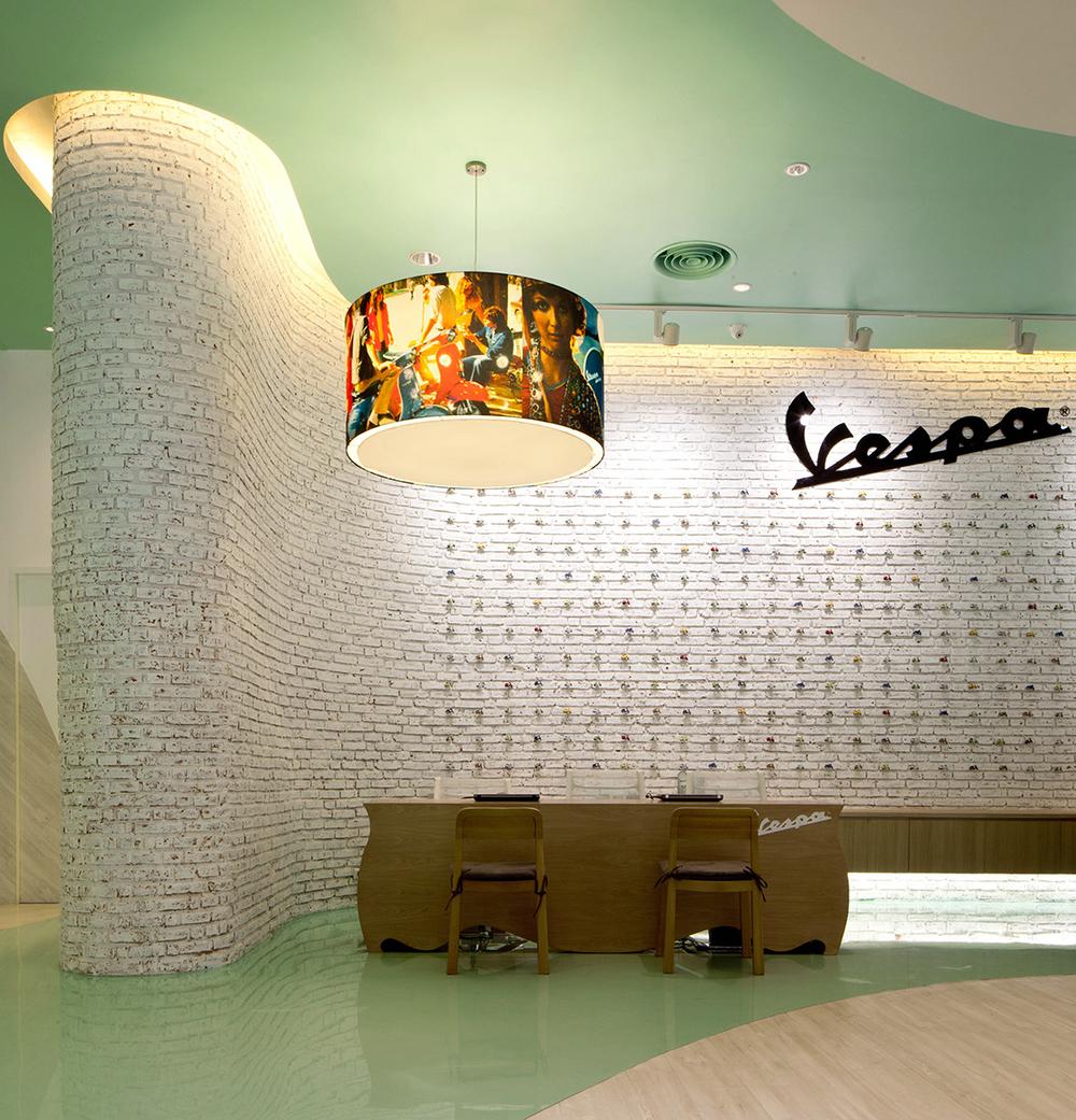 Vespa-Gallery-Store-Bangkok-Supermachine-LG1.jpg