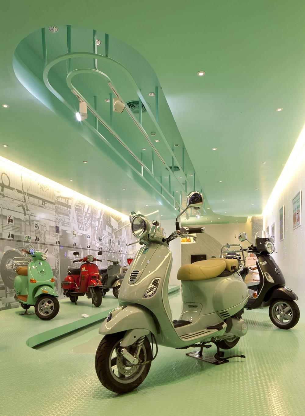 Vespa-Gallery-Store-Bangkok-Supermachine-LG4.jpg