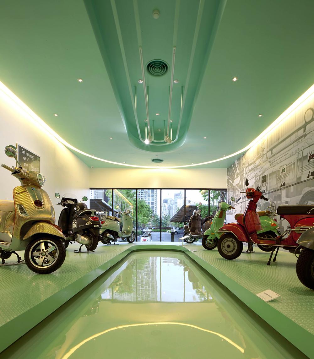 Vespa-Gallery-Store-Bangkok-Supermachine-LG5.jpg