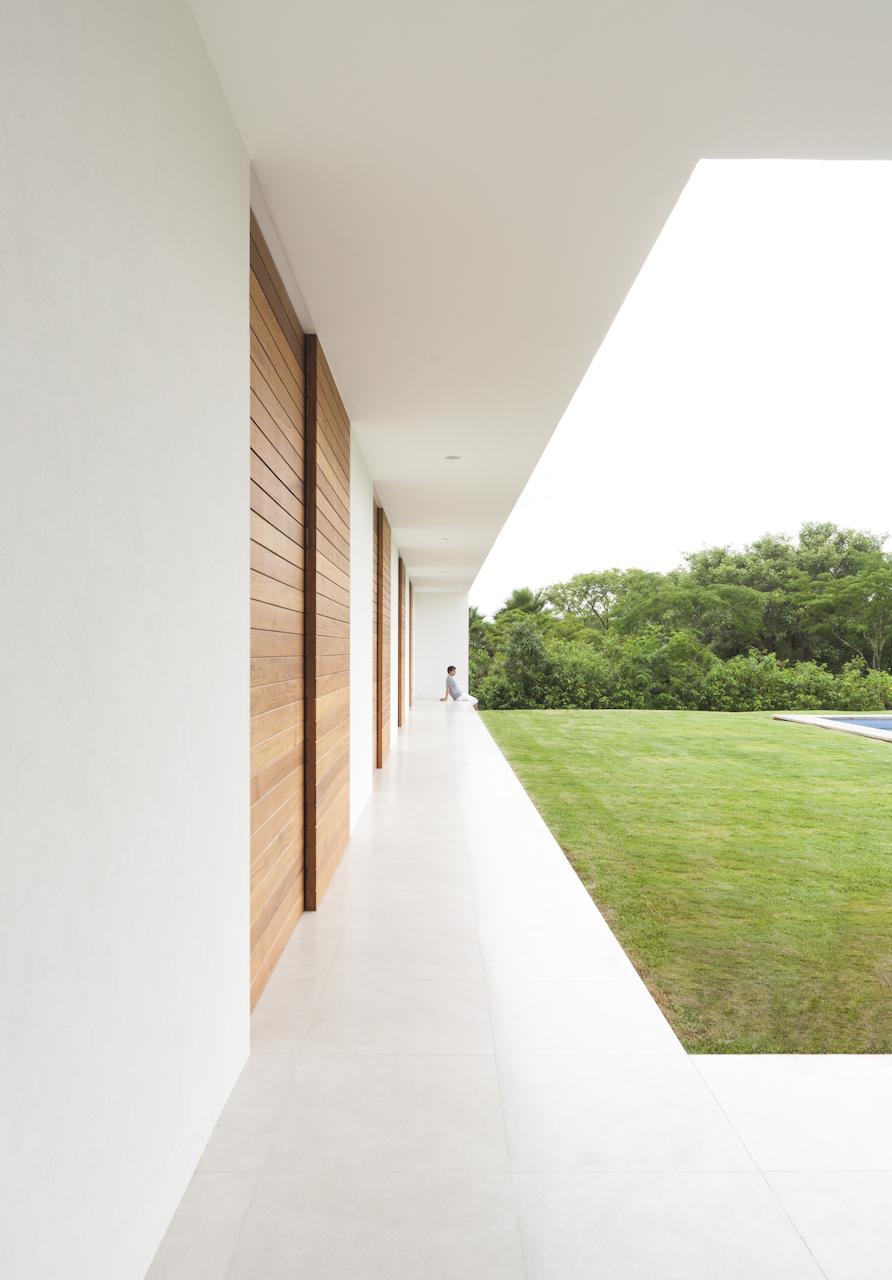 Casa-Salto-Sao-Paulo-Modern-Homes-4.jpg