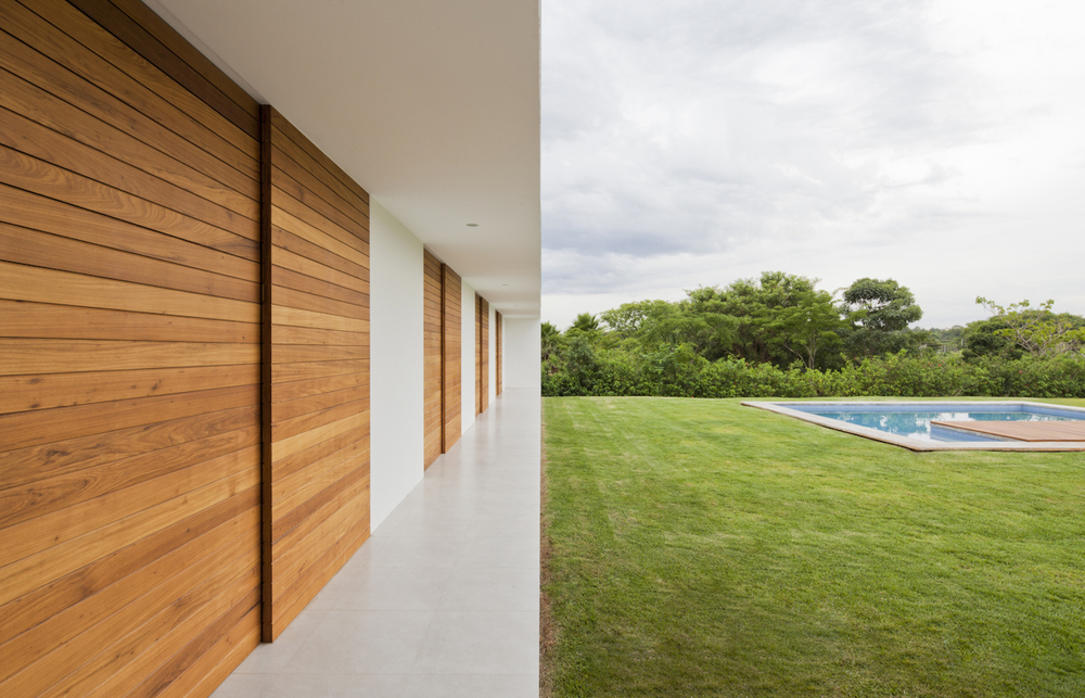 Casa-Salto-Sao-Paulo-Modern-Homes-3.jpg