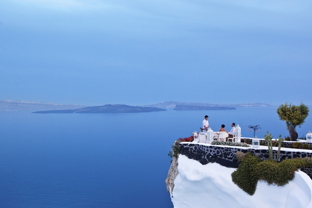 How Many Hotels Rooms Are In Santorini
