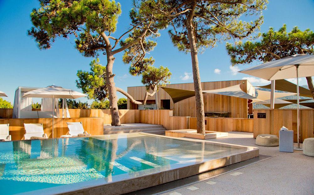 La-Plage-Casadelmar-Hotel-on-Corsica-France-18.jpg