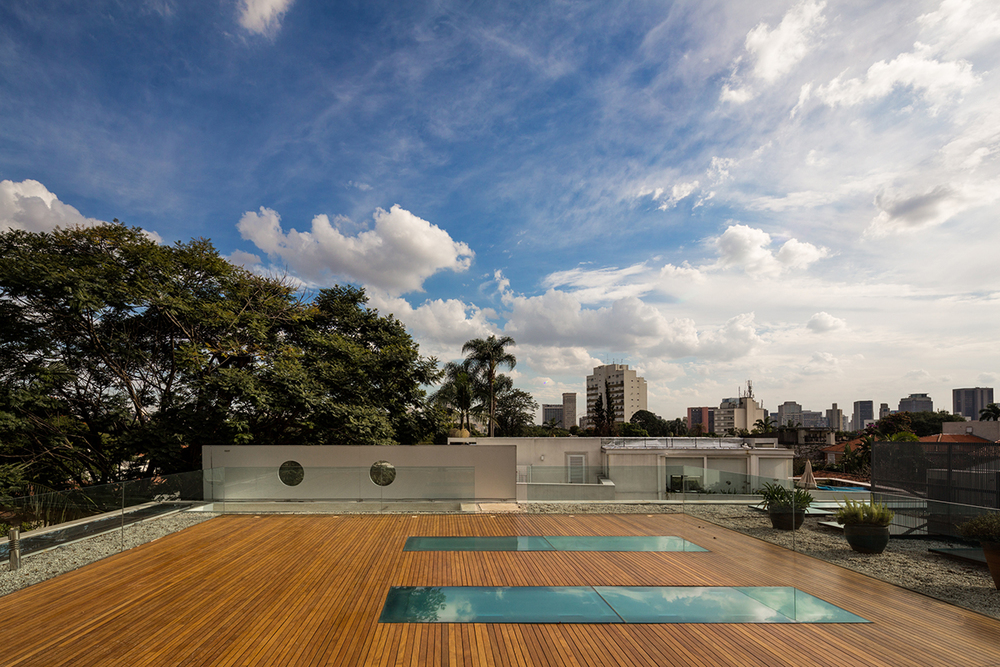 L House in San Paulo designed by architect Marcio Kogan of MK27 Studio