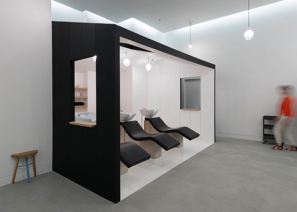 shapes of marseille le coiffeur pascal lancien salon knstrct. Black Bedroom Furniture Sets. Home Design Ideas