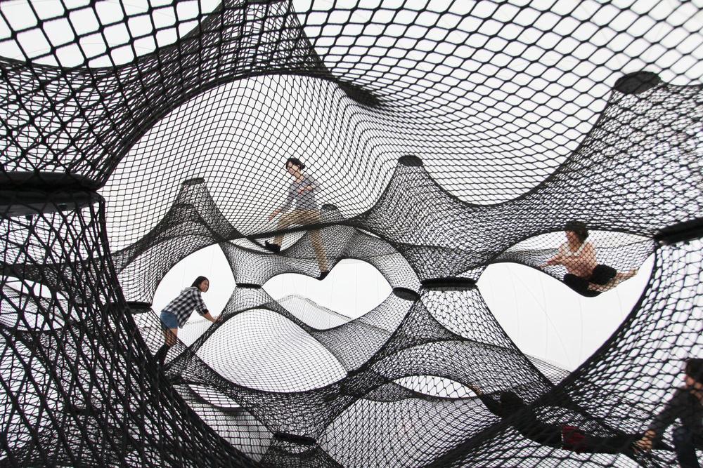 Interactive-Art-Installation-People-Play-Art-Suspended-4.jpg