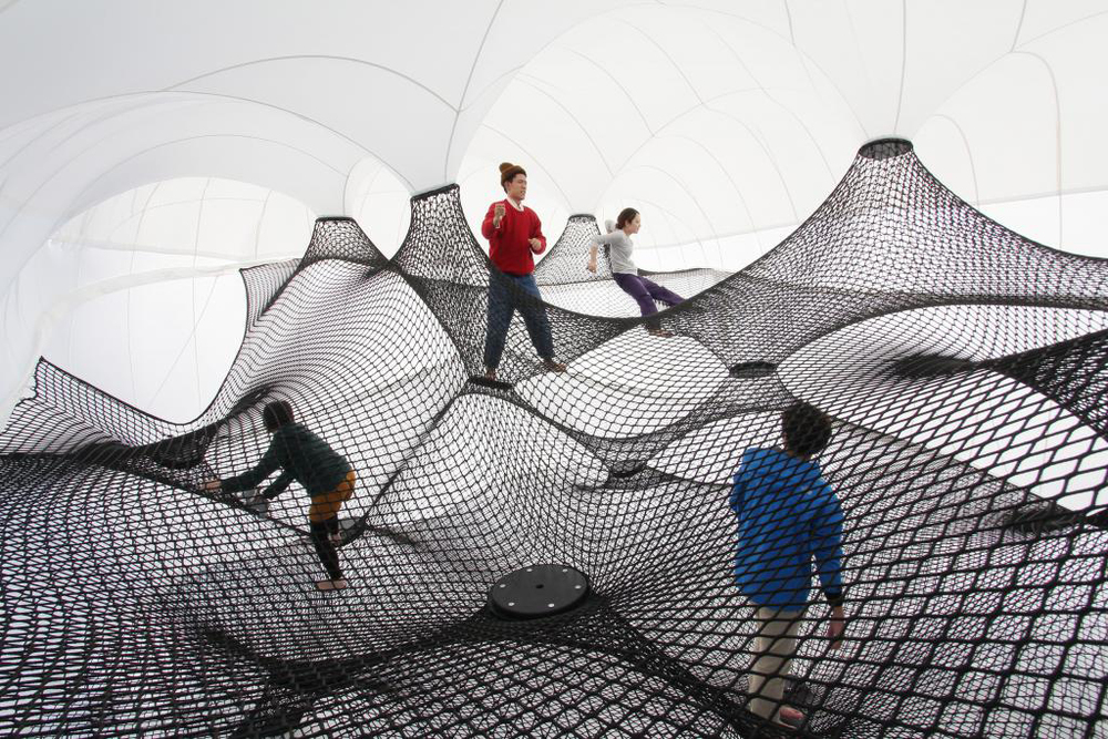 Interactive-Art-Installation-People-Play-Art-Suspended-4B.jpg