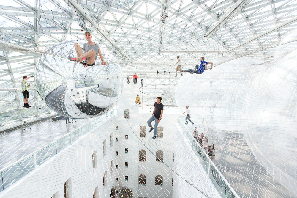 Interactive-Art-Installation-People-Play-Art-Suspended-1B.jpg