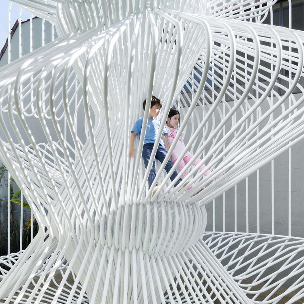 Interactive-Art-Installation-People-Play-Art-Suspended-6.jpg