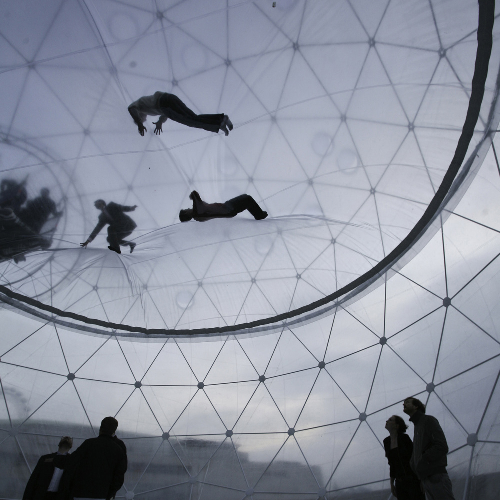 Interactive-Art-Installation-People-Play-Art-Suspended-19.jpg